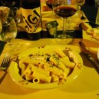 Can dinner theater have good food, be tasteful? Yes, in Lucca, Italy [classic article]