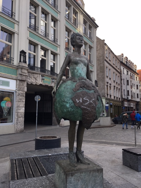 wroclaw statue3