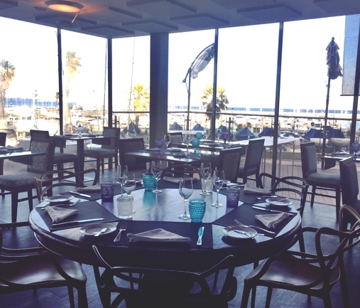 Preppy Dining On The Water Cascais Portugal S Maria Pia